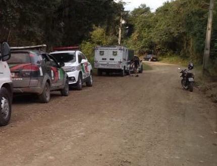 No fim do dia 25 de julho, o corpo da empresária foi encontrado em um rio, no município de Araquari. O corpo apresentava um tiro na cabeça e os braços amarrados nas costas. Suspeitas que se tratava de uma execução foram levantadas pela polícia. - Divulgação/ND