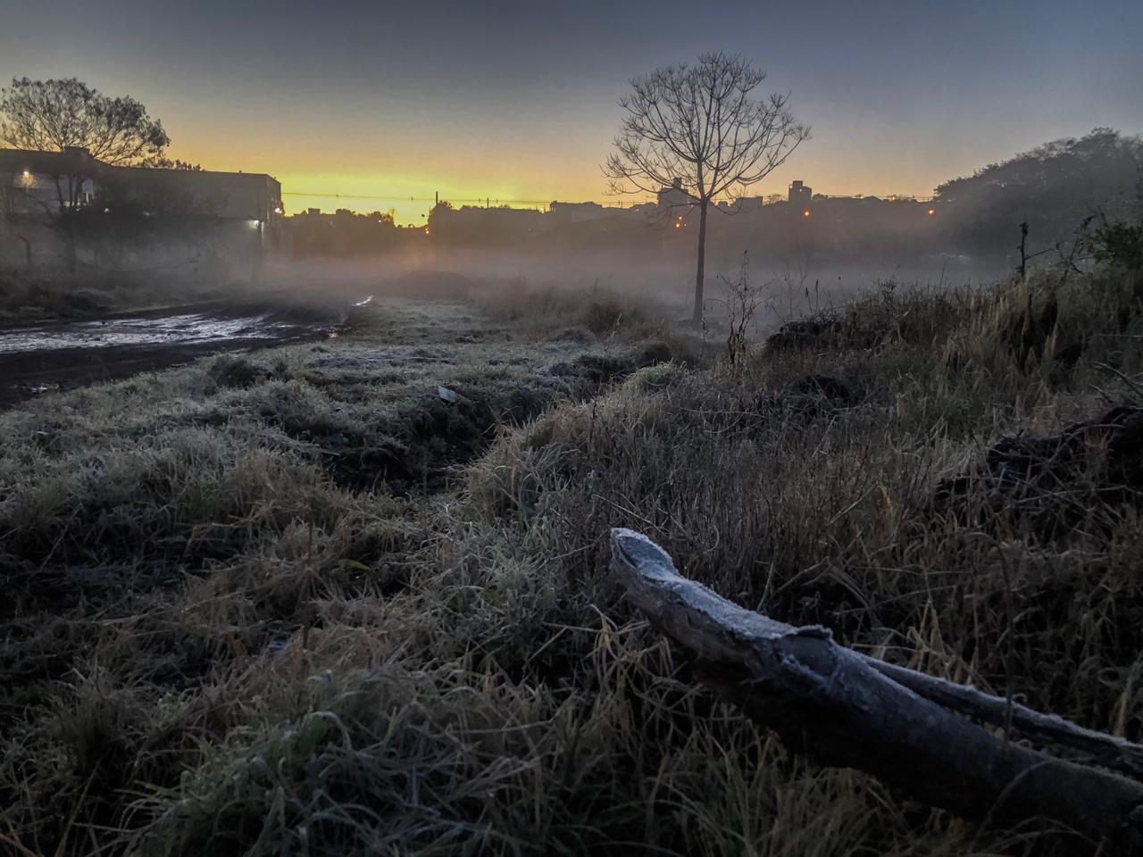A geada já era esperada e mudou o cenário em várias localidades do município - Willian Ricardo/ND