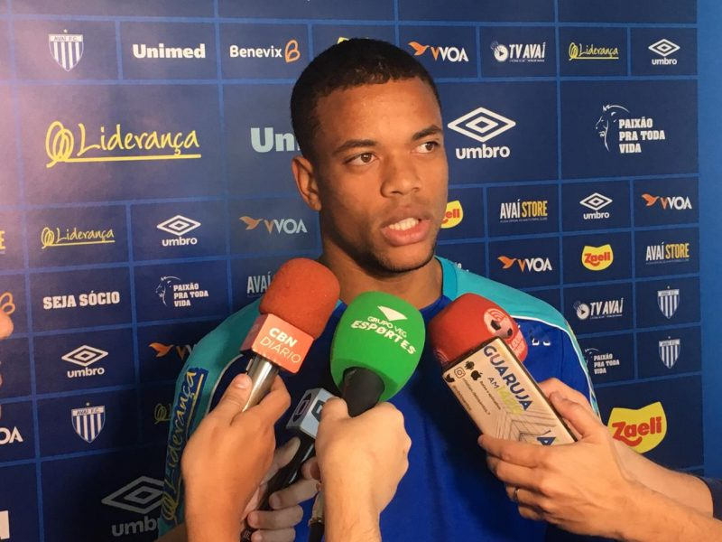 Caio Paulista concedeu entrevista na tarde desta quarta-feira (14) – Avaí FC/divulgação