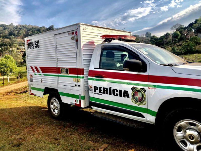 IGP foi acionado e recolheu o corpo de jovem que foi morto por tiros em Palmitos – Foto: Willian Ricardo/ND