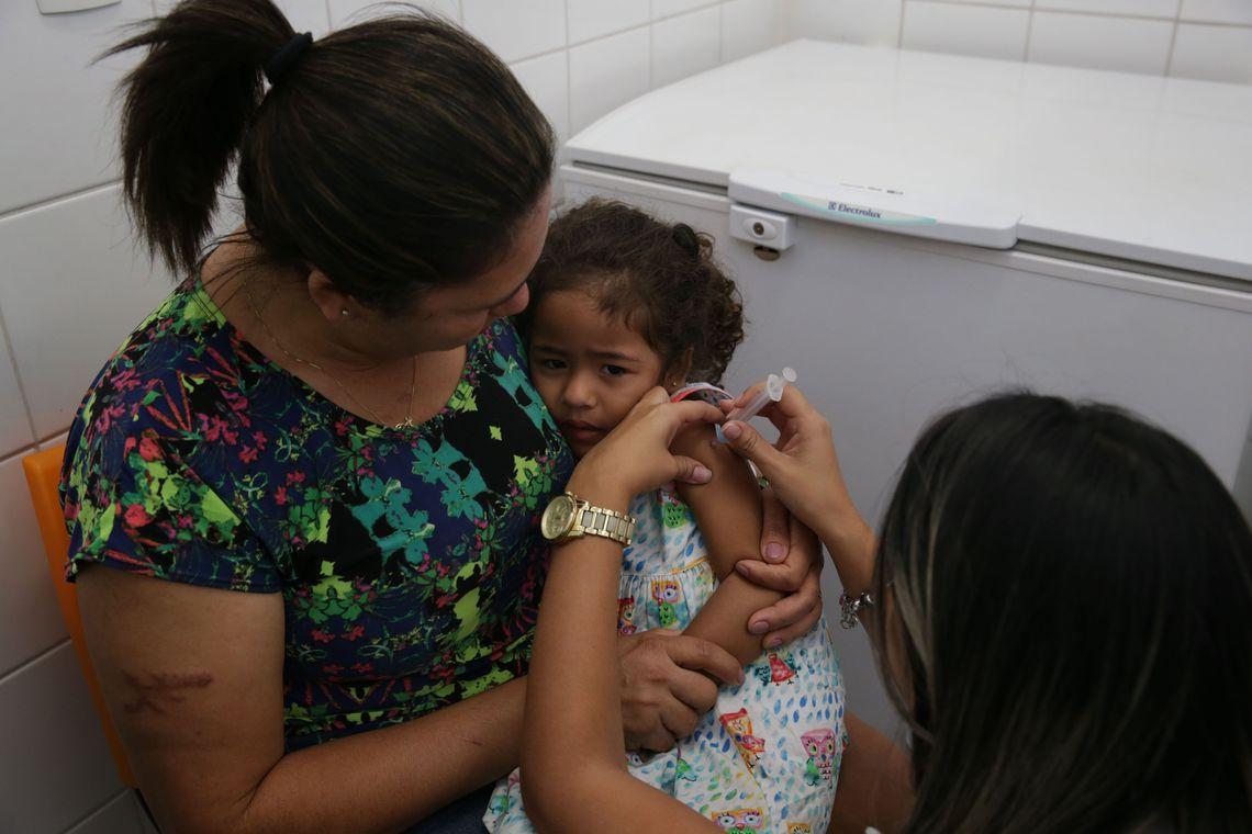 Onde tomar a vacina? As vacinas contra o sarampo estão disponíveis nos postos de vacinação. Em Santa Catarina, mais de 1.000 salas de vacinação estão espalhadas pelos 295 municípios catarinenses. - Antonio Cruz/ Agência Brasil/ND