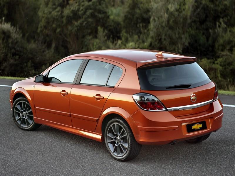 Chevrolet Vectra GT: chegou ao Brasil em 2007 e, apesar do visual atraente e moderno para a época, nunca emplacou como a marca gostaria. Deixou o mercado em 2011, dando espaço ao Cruze Sport6 - Foto: Divulgação - Foto: Divulgação/Garagem 360/ND