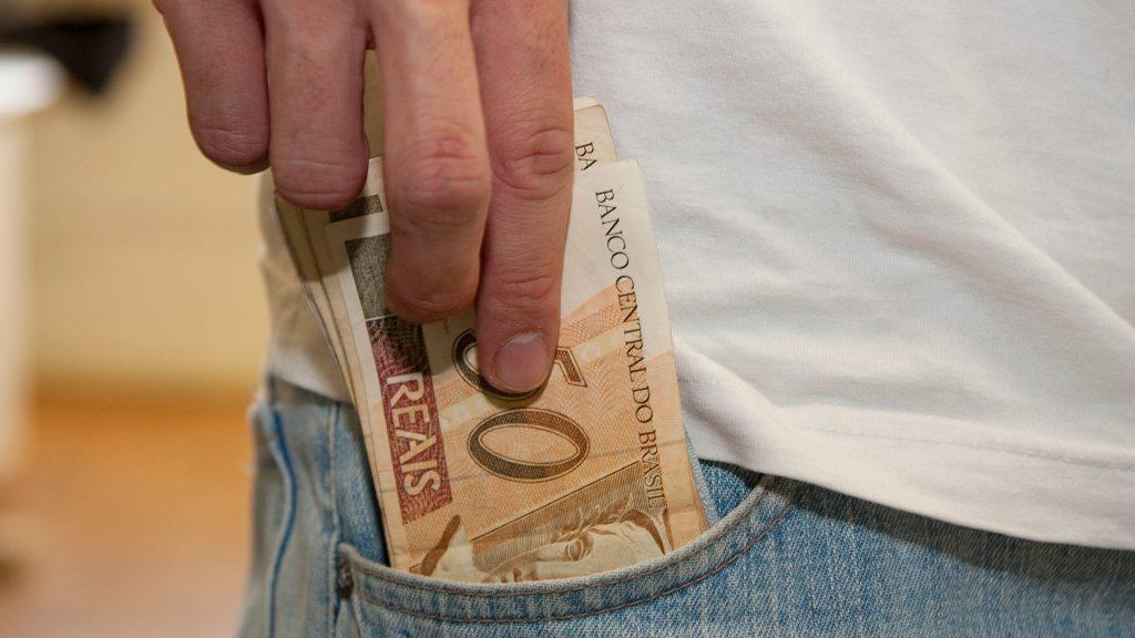 PIS-Pasep - No Estado, em torno de 338 mil trabalhadores terão direito a retirar as cotas. Na soma, são quase 489 milhões que serão disponibilizados aos contribuintes do Estado - Marcos Santos/USP Images/Divulgação/ND