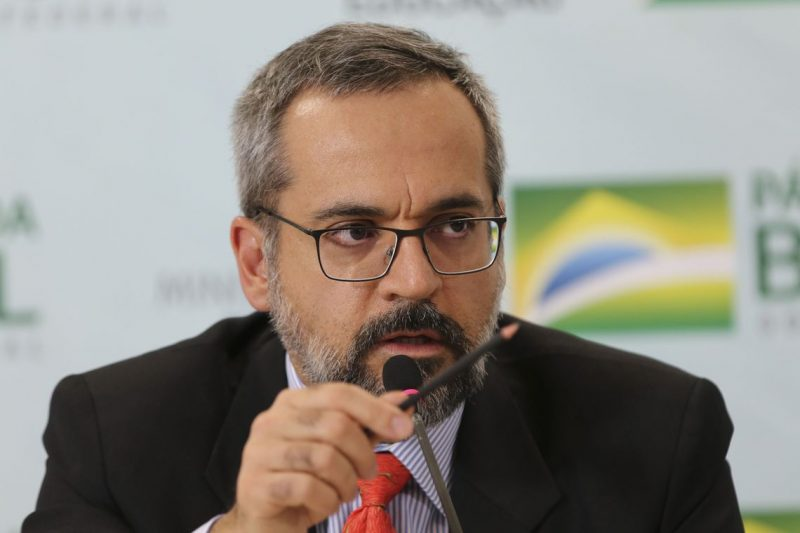 Ex-ministro da Educação, Abraham Weintraub, pode ser candidato a governador de SC pelo PTB – Foto: Fabio Rodrigues Pozzebom/Agência Brasil/Divulgação/ND