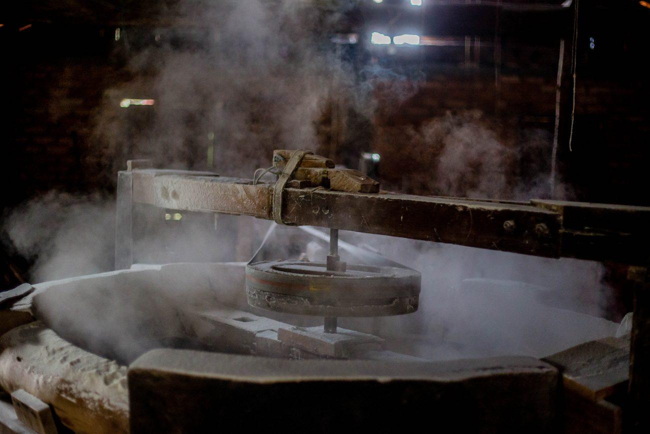 Engenho artesanal de farinha dos Heidenreich, no Ribeirão da Ilha - Flavio Tin/ND