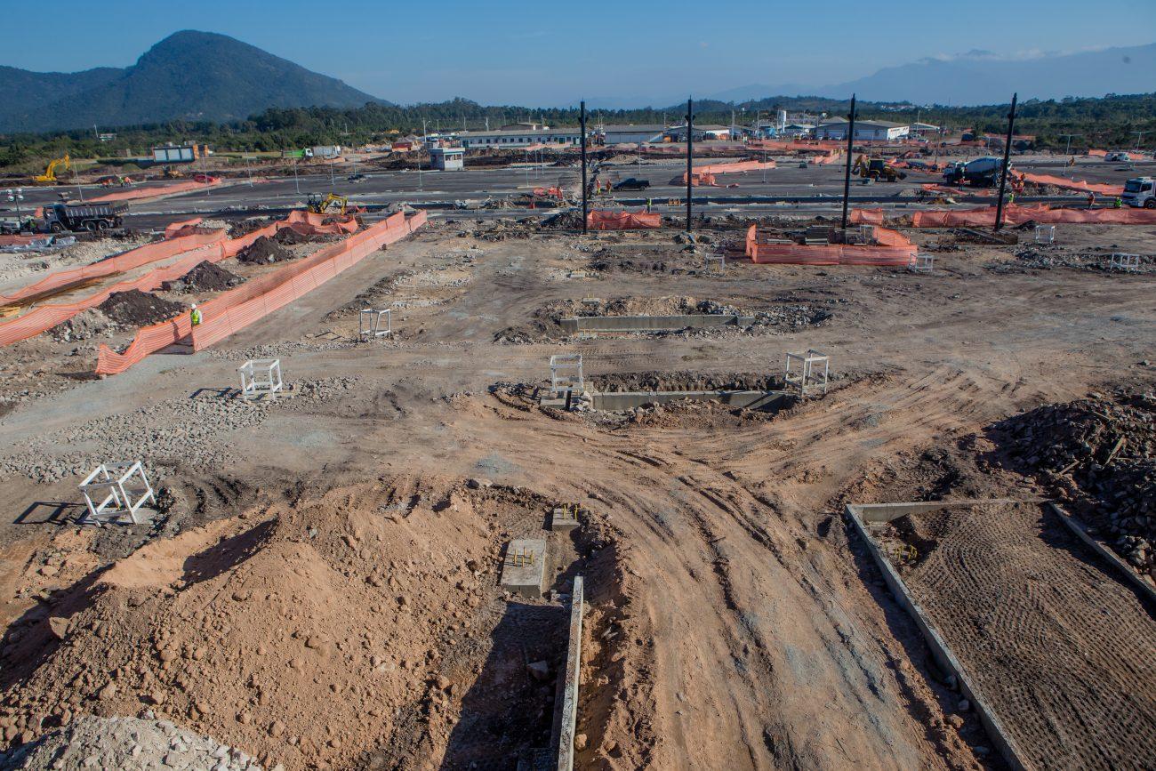 Área de estacionamento ainda em obras do novo terminal - Flavio Tin/ND