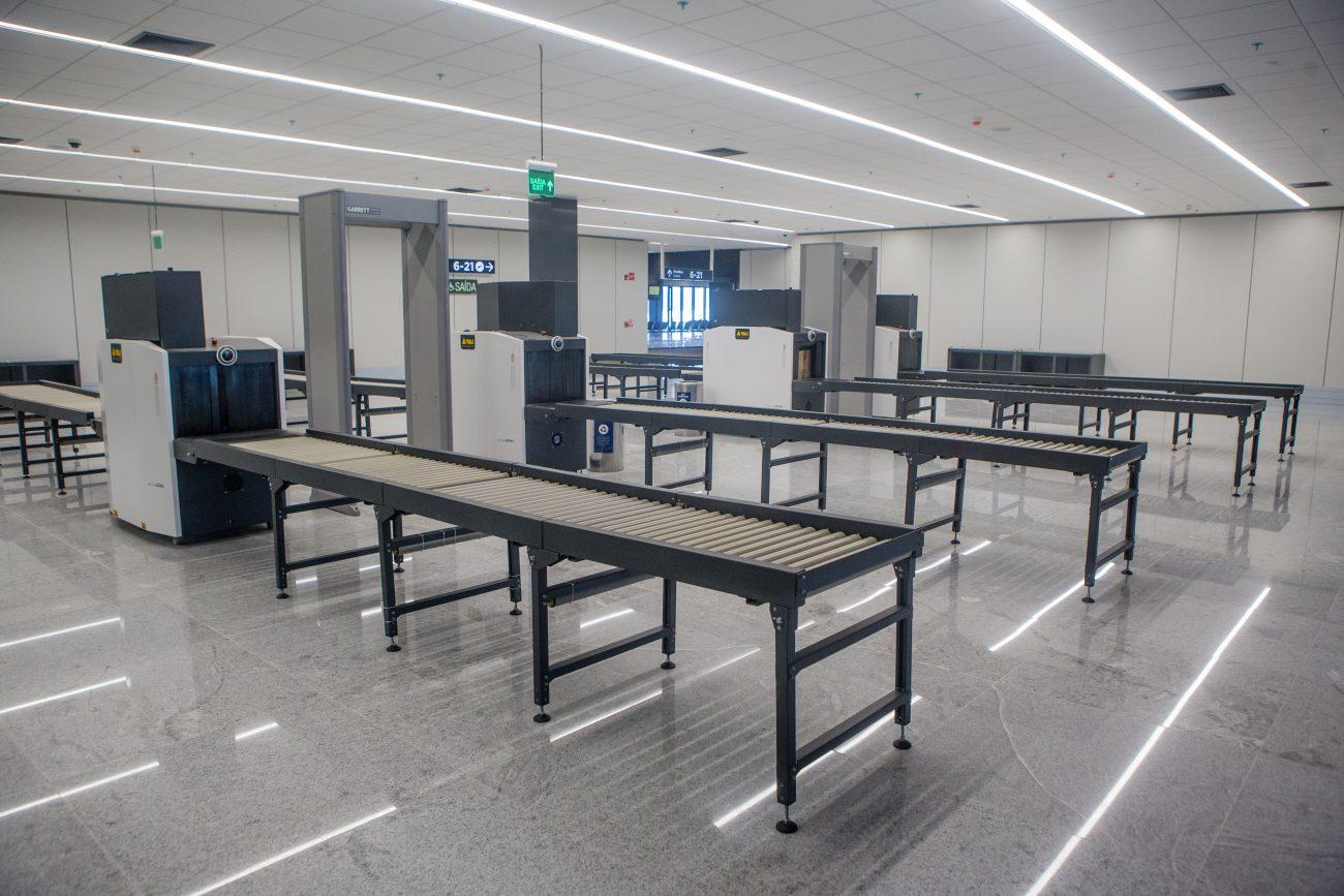 Área de segurança, onde os passageiros e bagagens de mão passam pela revista e Raio-X - Flavio Tin/ND