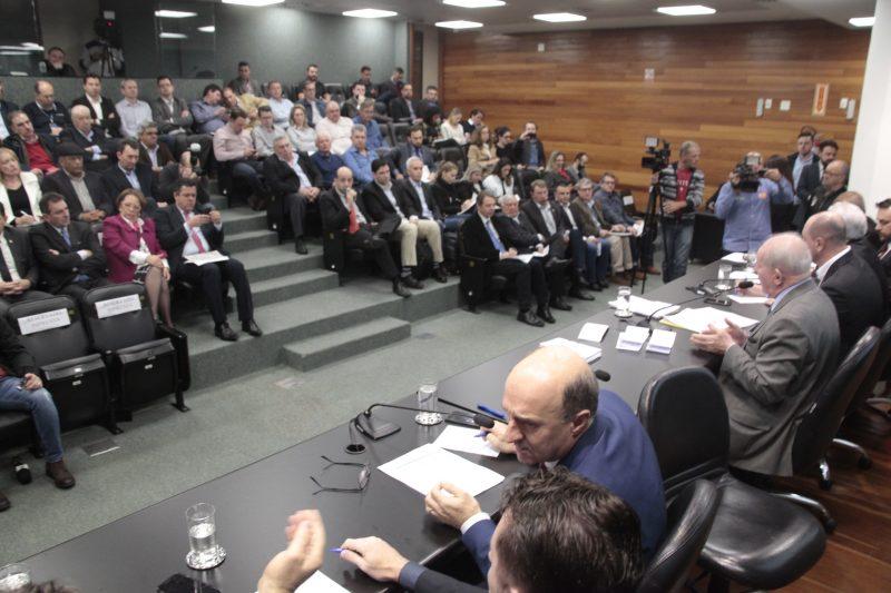 Reunião das comissões – Eduardo Guedes de Oliveira/Agência AL/ND