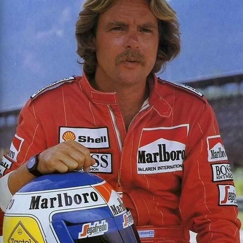 Keke Rosberg fez sucesso na F1, onde conquistou o campeonato de 1982 - Foto: Reprodução/Instagram - Foto: Reprodução/Instagram/Garagem 360/ND