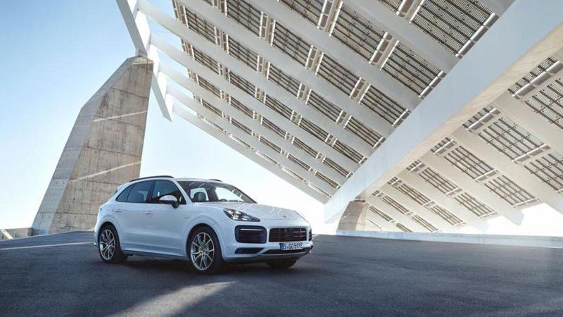 Recall: Porsche chama Panamera e Cayenne por problema em bucha de plástico - Foto: Divulgação