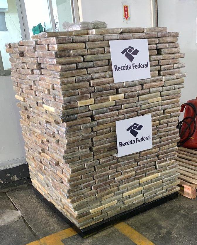 O curioso é que as duas apreensões foram realizadas nos mesmos moldes, ou seja, em meio à carga de exportação de madeira e com destino à Bélgica - Divulgação/Receita Federal