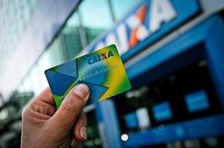 FGTS - Já para saques de até R$ 500 é necessário apresentar o documento de identificação, cartão do cidadão com senha em uma lotérica, correspondente Caixa aqui ou terminais de autoatendimento utilizando o CPF e a senha Cidadão - Folha Press/R7/ND