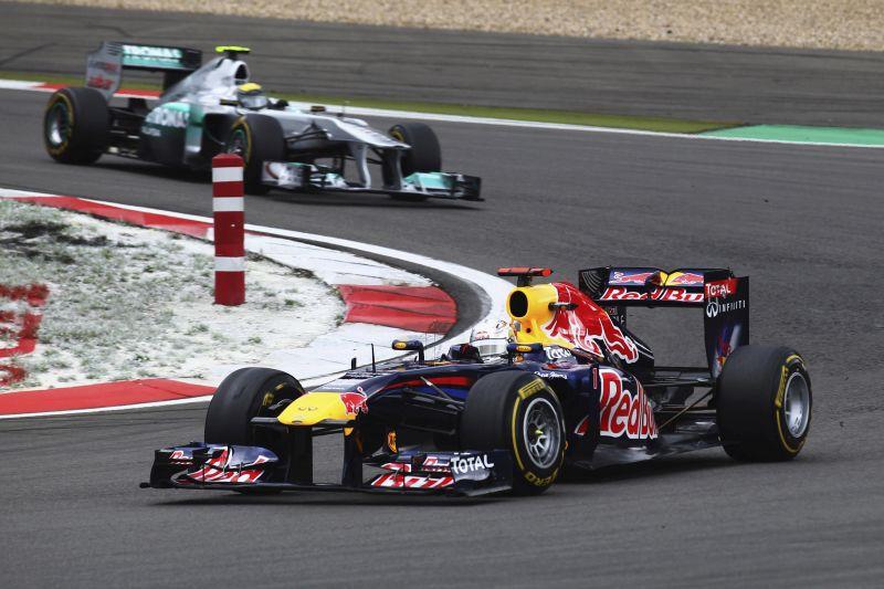 Red Bull RB7: Sebastian Vettel conquistou seu segundo título a bordo de uma máquina demolidora, em 2011; o RB7 venceu 12 das 19 corridas (sendo 11 com Vettel), além de conseguir 18 das 19 poles possíveis - Foto: Divulgação - Foto: Divulgação/Garagem 360/ND
