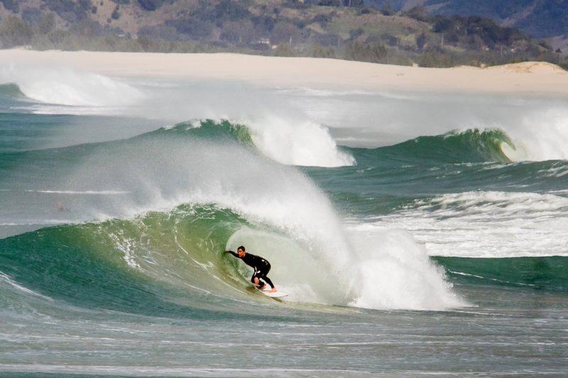 Surfe na Guarda do Embaú, em Palhoça - Foto Flavio Tin/ND