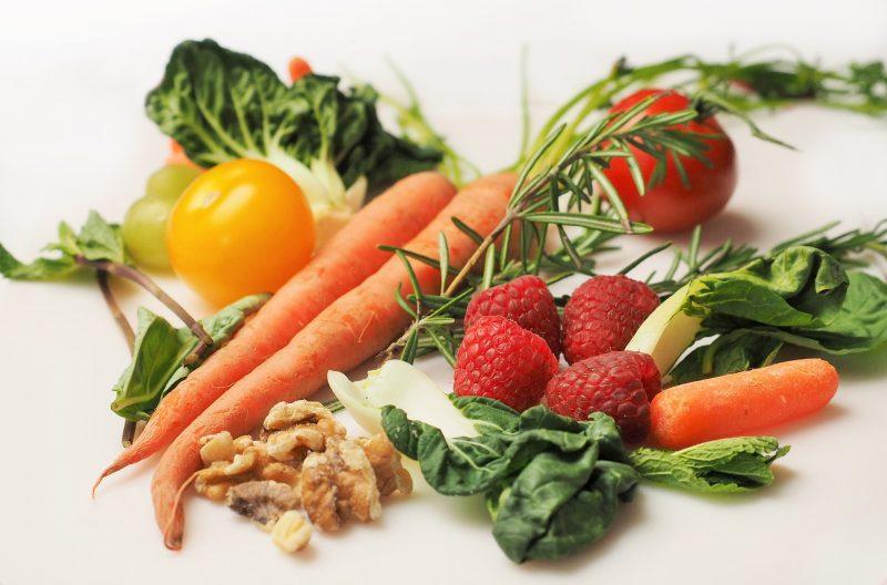 Frutas e legumes são essenciais para manter uma alimentação saudável – Pixabay