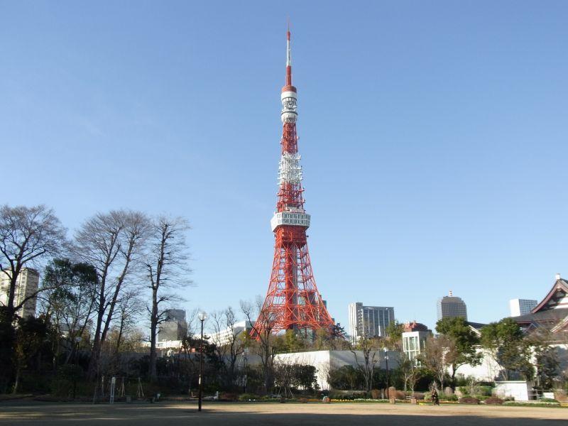 Com 333 metros de altura, a Torre de Tóquio é um dos pontos turísticos mais visitados da cidade - © TCVB - © TCVB/Rota de Férias/ND