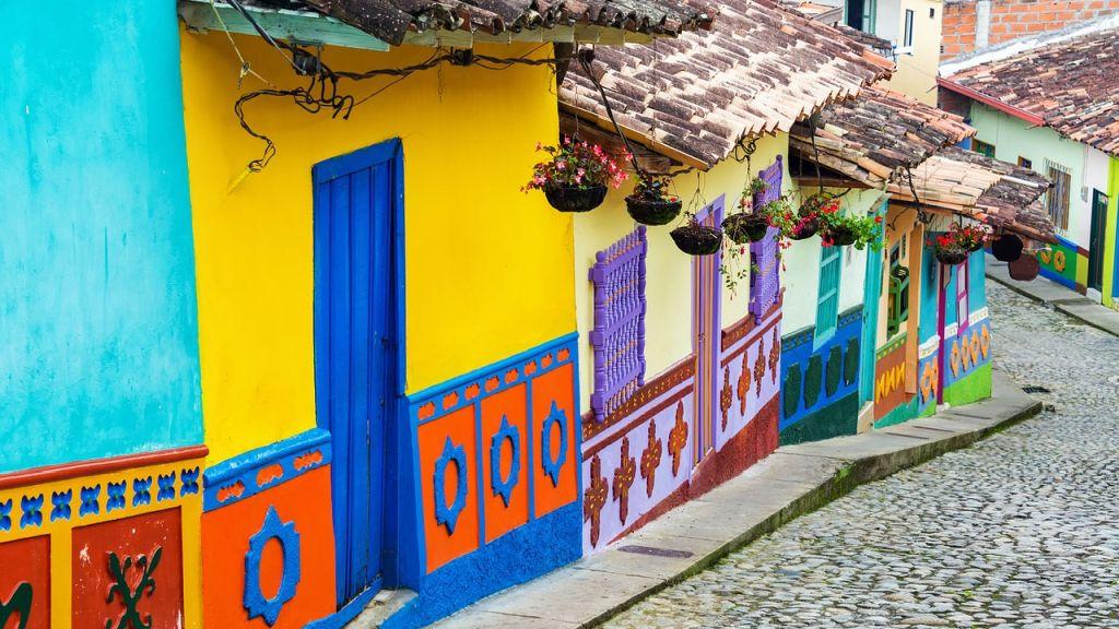 7. Colômbia - 73% alegaram facilidade em fazer novos amigos, 73% revelaram facilidade em fazer amigos locais e 84% estão felizes com a vida em geral - Pixabay - Pixabay /Rota de Férias/ND