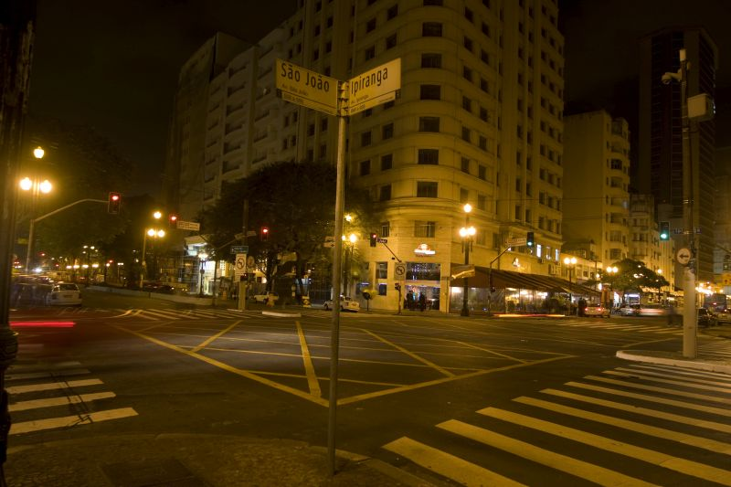 A esquina da Avenida Ipiranga com a Avenida São João se tornou um ponto turístico graças à música