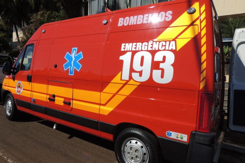 A mulher foi socorrida pelo Corpo de Bombeiros – Foto: CBMSC/Divulgação/ND