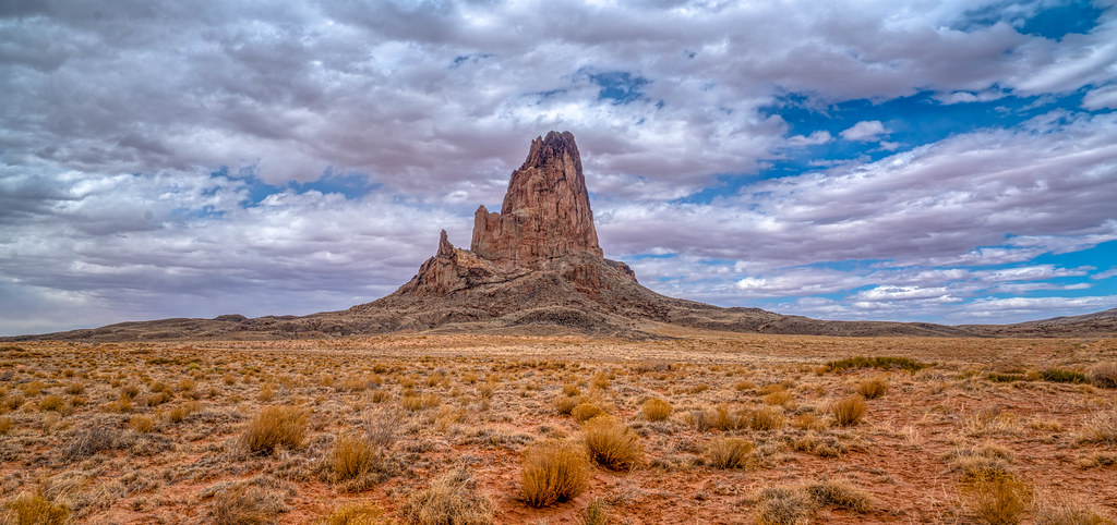 Shiprock – EUA - CEBImagery.com on Visual hunt / CC BY-NC - CEBImagery.com on Visual hunt / CC BY-NC /Rota de Férias/ND
