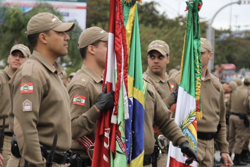 Representantes do governo do Estado, Prefeitura de Florianópolis, Marinha, Aeronáutica, Exército, Polícia Militar, Corpo de Bombeiros e Liga de Defesa Nacional são os organizadores do evento. - Divulgação PMSC