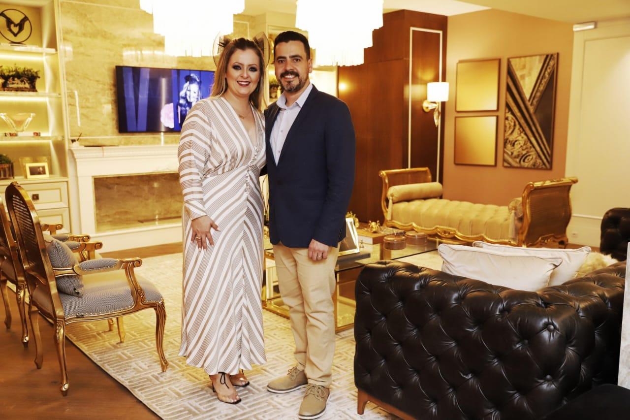 Graziele de Souza, autora do Living da Arquiteta, e o marido Estener Soratto - Endrigo Righetto/Divulgação/ND