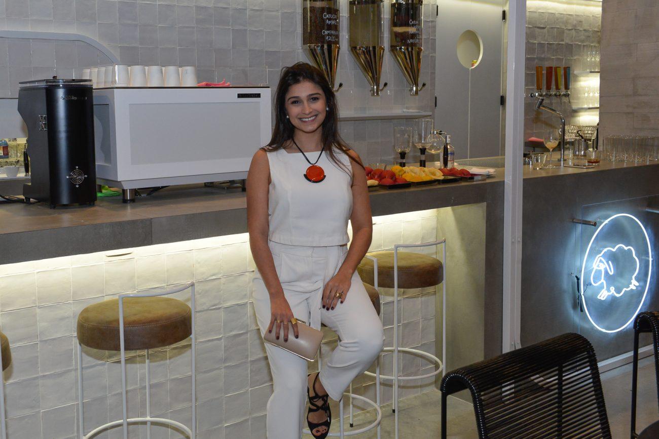 Larissa Aguiar e a cafeteria Do Grão à Xícara - Carlos Alves/Divulgação/ND