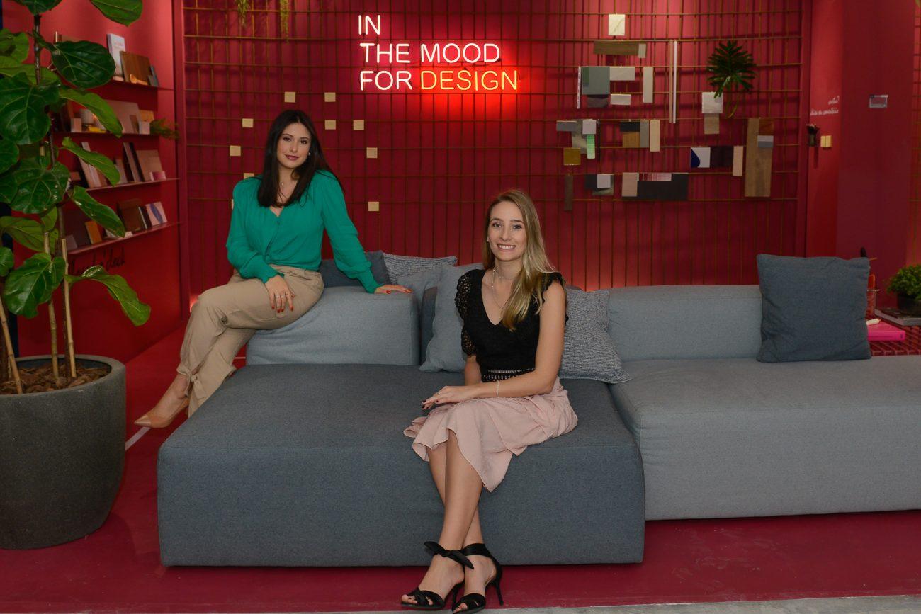 Maria Eduarda Brandão (à esq.) e Barbara Ramos no Co-Space para Arquitetos e Designers - Carlos Alves/Divulgação/ND