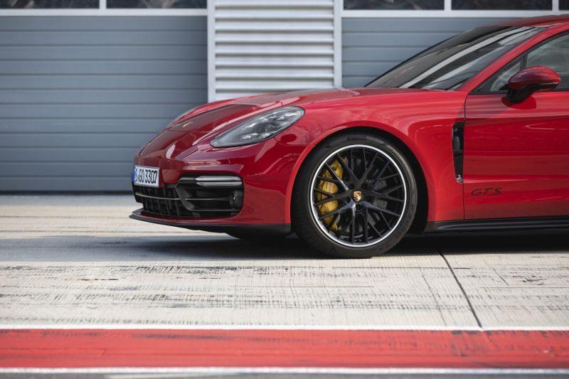 Porsche chama seis modelos para recall por conta de airbags defeituosos -
