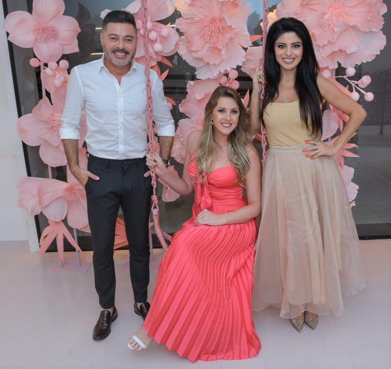 Rodrigo Alessandro Gonçalves, Ana Paula Gonçalves (centro) e Sheila Gonçalves Frolhner - Carlos Alves/Divulgação/ND