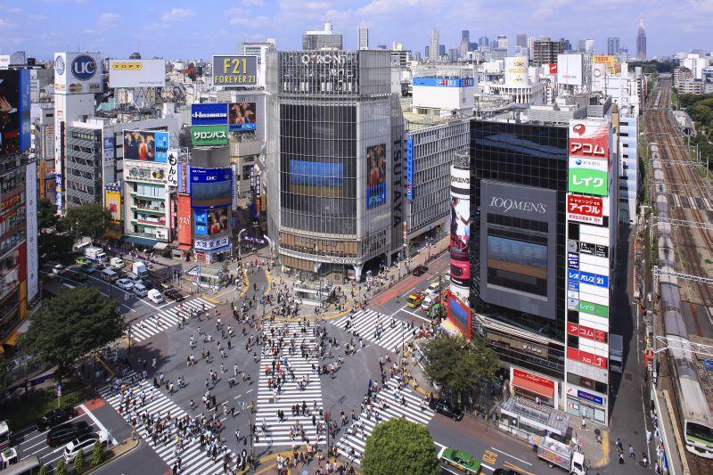 Shibuya é o bairro mais descolado de Tóquio. O local também conta com o cruzamento de pedestres mais movimentado do mundo - © TCVB - © TCVB/Rota de Férias/ND