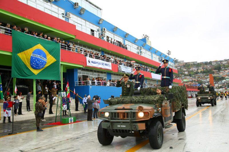 Apesar de não lotar arquibancadas, população compareceu ao evento - Leonardo Sousa/PMF/Divulgação