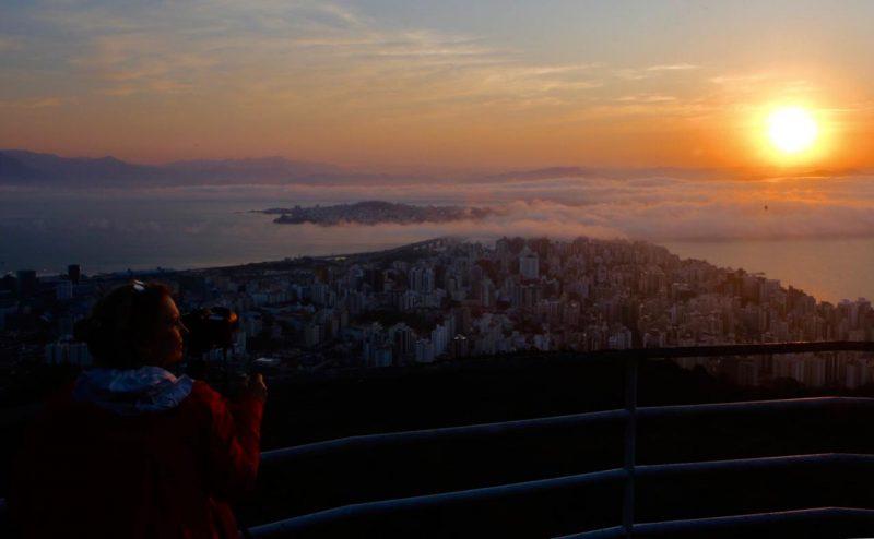 O cenário se tornou ainda mais belo com a presença de um nevoeiro - Flávio Tin/ND