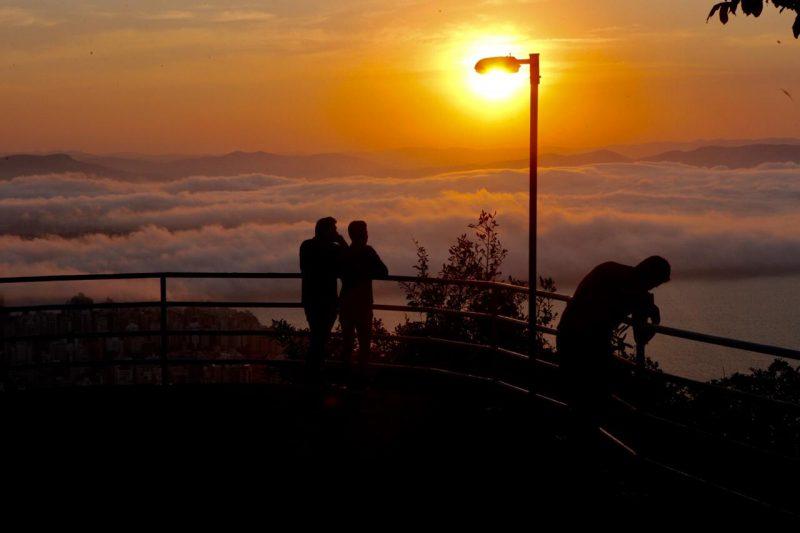 Aos poucos o sol foi se escondendo atrás das nuvens para dar vez à noite em Floripa - Flávio Tin/ND