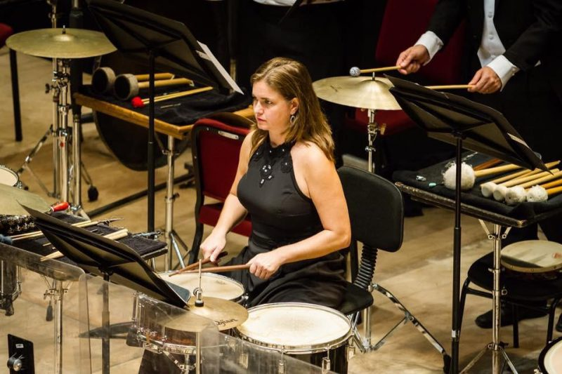 Fernanda Kremer é timpanista e percussionista solista da Orquestra Sinfônica Brasileira e se apresenta na abertura, no Palco Mundo – Cícero Rodrigues/Divulgação/ND