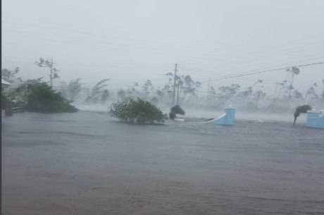 Furacão deixou arquipélago embaixo d'água – Reprodução/Danika Dames