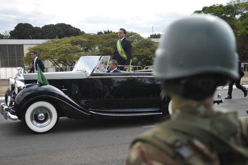 O presidente Jair Bolsonaro desfila em carro aberto no incio do desfile de 07 de setembro - Marcello Casal JrAgência Brasil/ND