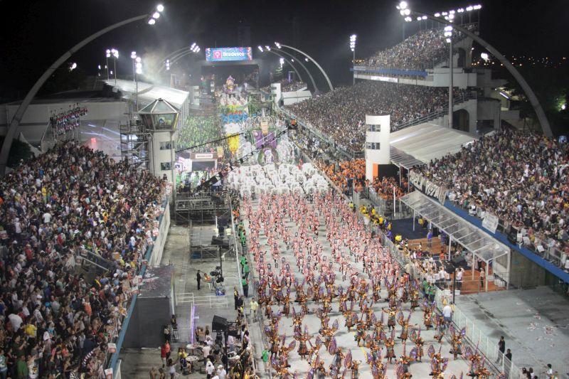 São Paulo também se destaca no Carnaval. Os desfiles das escolas de samba rolam no Sambódromo do Anhembi e atraem gente do mundo todo para a capital paulista - Fernando Heise/SPTuris - Fernando Heise/SPTuris/Rota de Férias/ND