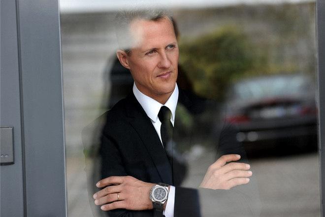 Por causa do segredo, ao longo dos anos, inúmeras publicações procuraram notícias sobre Schumacher. Uma delas, por exemplo, disse que ele foi visto tomando sol em sua casa, algo jamais confirmado. - Reprodução/R7