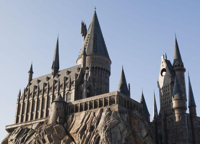 O Castelo da Escola de Magia e Bruxaria Hogwarts é uma das principais atrações da área The Wizarding World of Harry Potter Hogsmeade, que fica no parque Universal's Islands of Adventure - Divulgação - Divulgação/Rota de Férias/ND