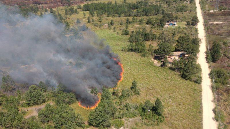 Já no dia 2 de setembro, no início da tarde, um grande incêndio que mobilizou Bombeiros e policiais ambientais levou mais de 20 horas para ser controlado - Arcanjo/Divulgação