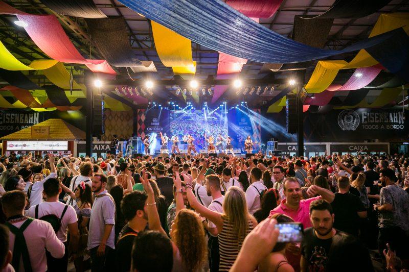 Oktoberfest não teve empresas interessadas em serem a nova cervejaria oficial da festa – Foto: Daniel Zimmermann/Divulgação/ND