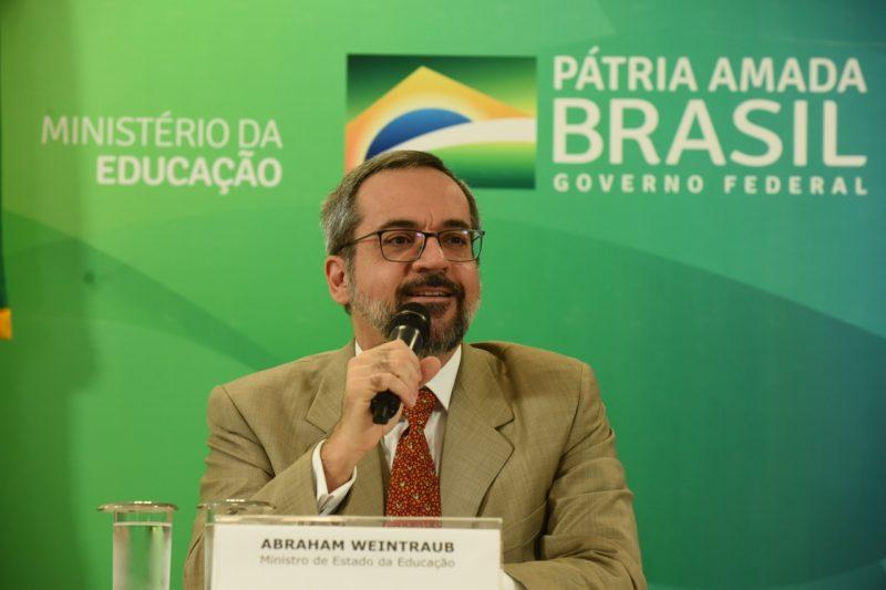 """Decreto, publicado neste sábado (20), diz apenas que o ministro foi exonerado """"a pedido"""" – Foto: Agência Brasil/Divulgação/ND"""