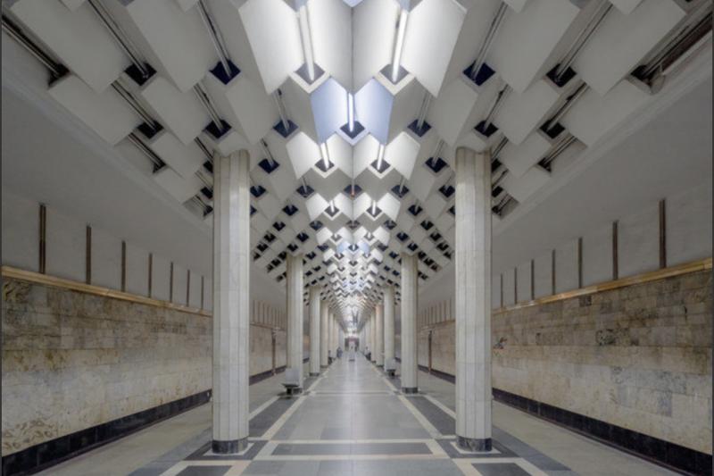 Christopher Herwig é um fotógrafo que acabou de lançar um livro que mostra a beleza e magnitude das mundialmente famosas estações de metrô construídas na era da União Soviética. - Reprodução Arte Colossal
