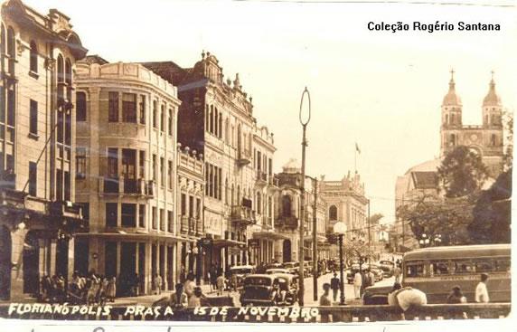 O entorno da praça 15 de Novembro, nos anos de 1950 - Acervo Velho Bruxo/Divulgação/ND