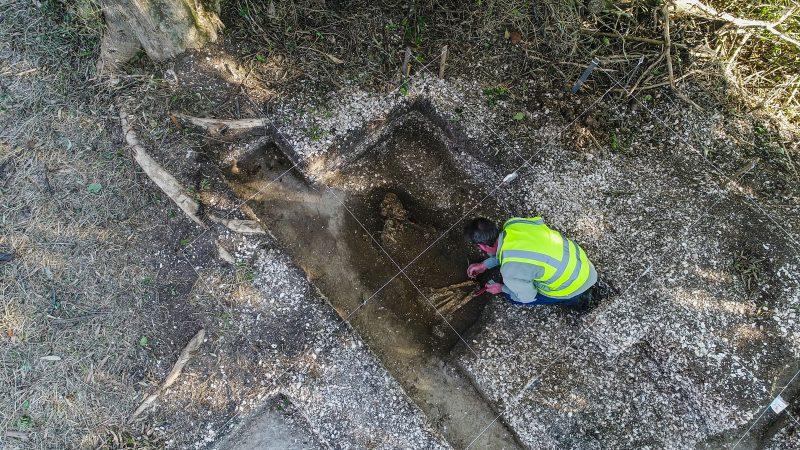 O esqueleto estudado pertenceu a uma jovem mulher, cuja causa da morte é desconhecida - Espaço Arqueologia/Divulgação/ND
