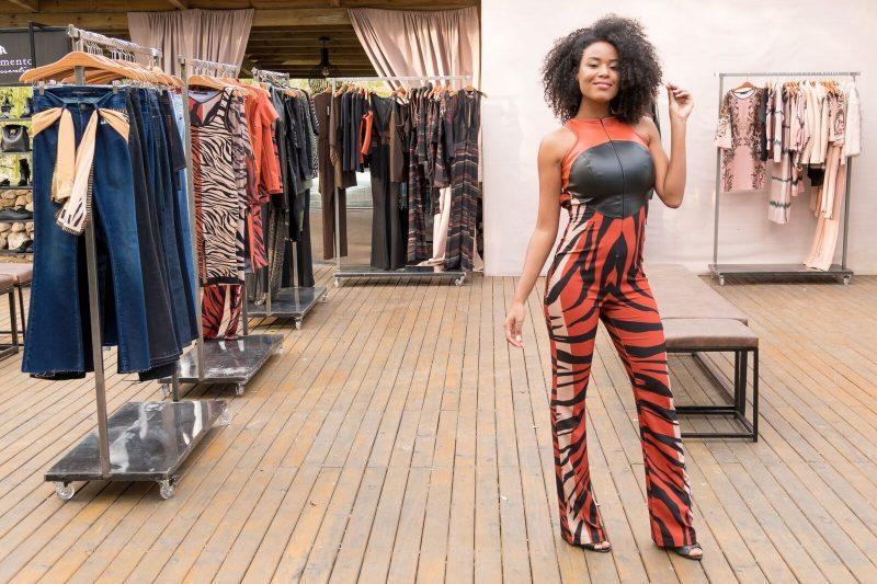 Elisa Freitas, ex-miss Florianópolis e SC Mundo, foi uma das modelos que apresentou a nova coleção - Hermes Bezerra/Divulgação/ND