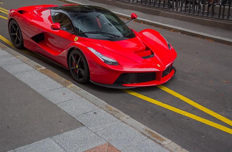 Ferrari LaFerrari: com 963 cv, ela é o carro mais potente já fabricado pela marca italiana. Só por isso já merece estar na lista - Foto: Benoit cars via Visualhunt.com / CC BY-SA - Foto: Benoit cars via Visualhunt.com / CC BY-SA/Garagem 360/ND