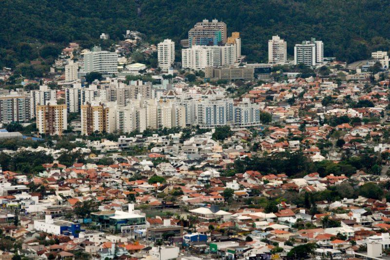 Somente um bairro de Florianópolis não tem casos ativos da Covid-19 – Foto: Flávio Tin/Arquivo/ND