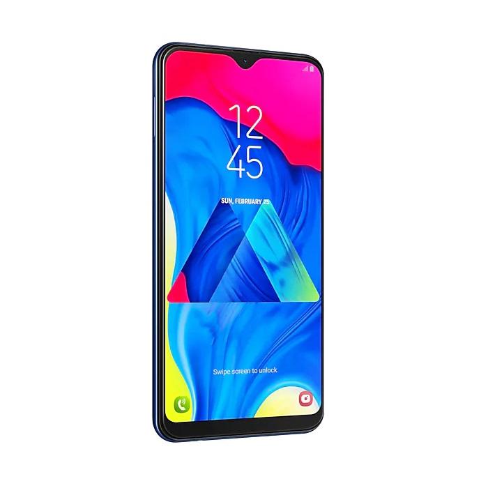 Galaxy M10, da Samsung – Se você acredita que está na hora do seu filho ganhar o primeiro smartphone, uma boa opção é comprar um celular de entrada, ou seja, aquele modelo mais simples, ideal para quem usa apenas funções básicas. O dispositivo da Samsung vem com tela de 6,2 polegadas, câmera dupla (13 + 5 megapixels) e 32 GB de memória interna. Está disponível nas cores preto e azul. Preço sugerido: R$ 799. - Crédito: Divulgação/33Giga/ND